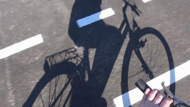 Policja zatrzymała agresywnego rowerzystę TVN24