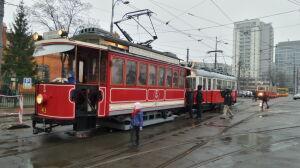 """Warszawskie tramwaje mają 150 lat. Pierwsza """"ropucha"""" wyjechała z Pragi"""