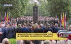 Hołd powstańcom przed pomnikiem Gloria Victis
