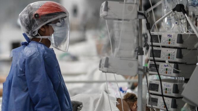 Ilość wirusa była wyższa u osób z łagodnym przebiegiem COVID-19. Obserwacje z Nowego Jorku